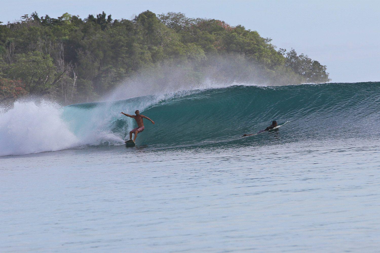 pulse-surf-charters-inside-plenty-lefts-01